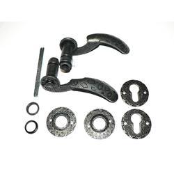 Klika - set 135 x 80 mm, ø19 mm finální povrchová úprava - černá galvanizace